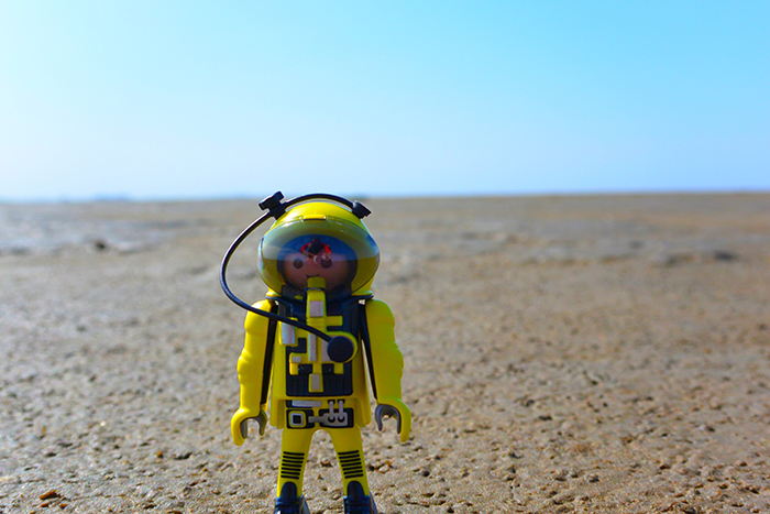 1305_astronaut3_700